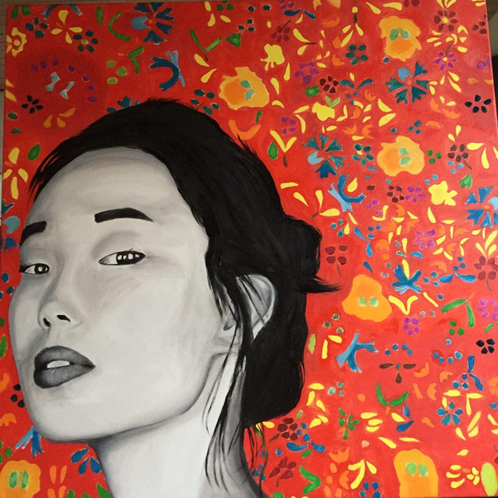 La-chinoise-au-papier-peint-rouge